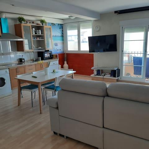 Luminoso apartamento en la playa, Algarrobo Costa.