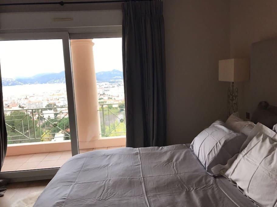 Master bedroom with bay view (Cannes la Bocca, Mandelieu)