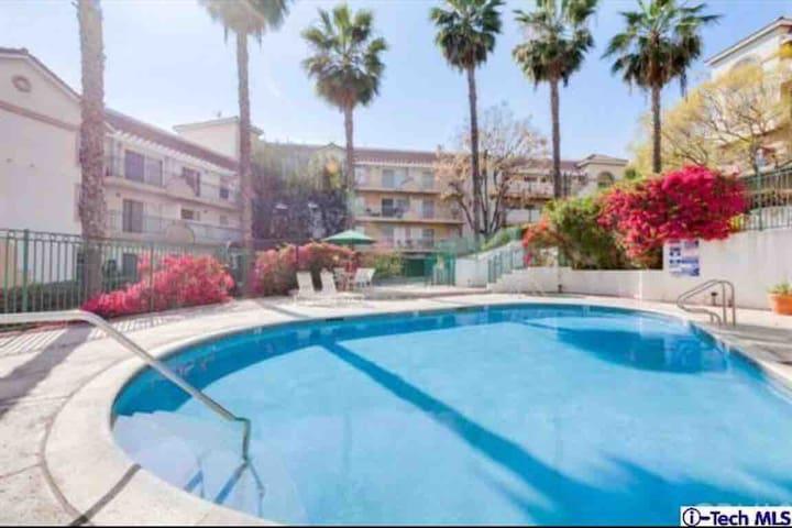 Nice condo in LA close to Alhambra & S. Pasadena
