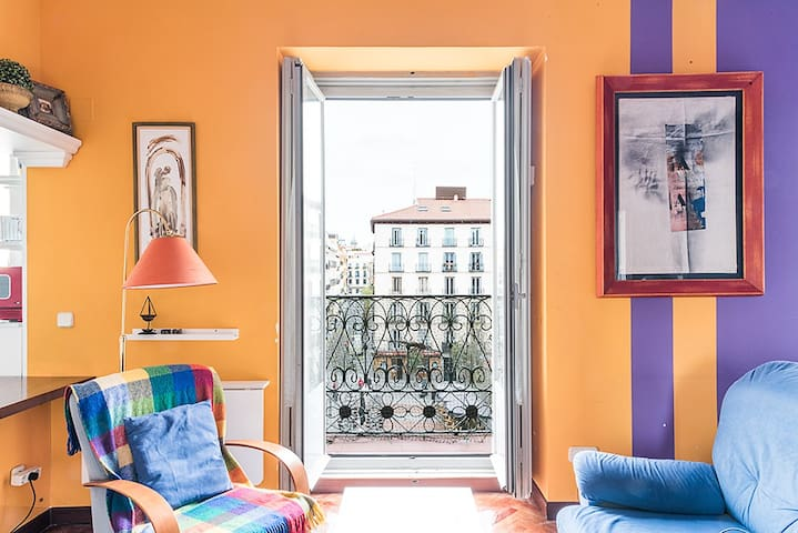 Apartment-Studio in Plaza de Chueca - Madrid - Byt