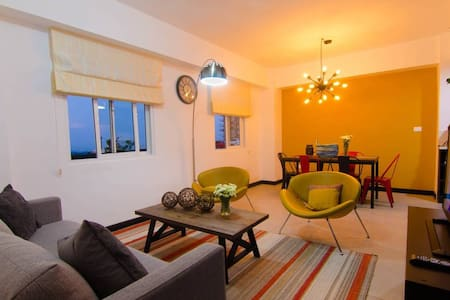 *Modern 3BDR. *Amenities *Shuttle to Cayala
