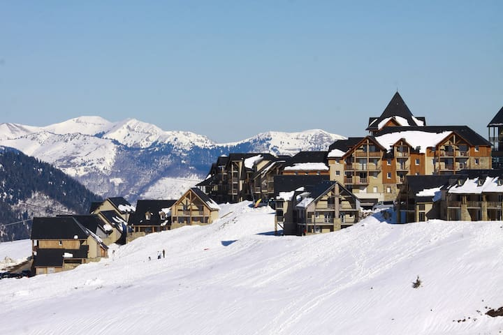 Escape to gorgeous Serre Chevalier for your winter holiday!
