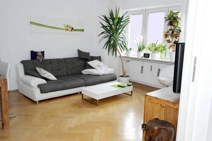 FOR JUNE: Charming flat - München Sendling - Munich