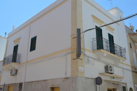 Splendido appartamento in centro a Massafra - Massafra