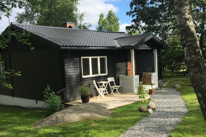 Beautiful Lake Cabin - 60 min from Stockholm