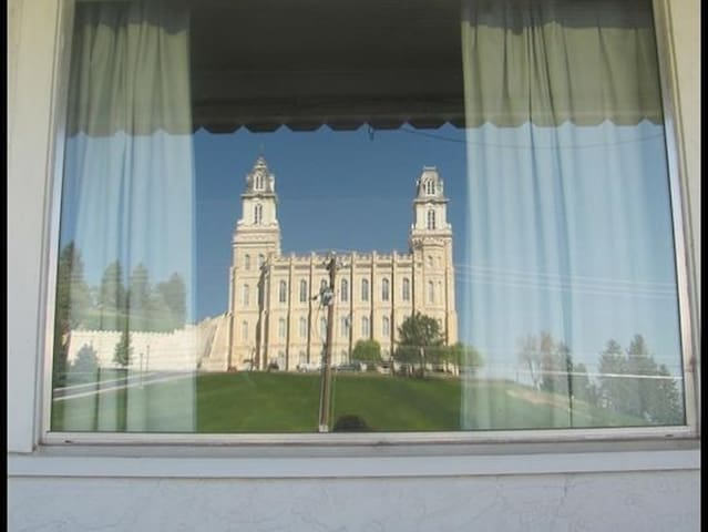 Manti Temple View Home