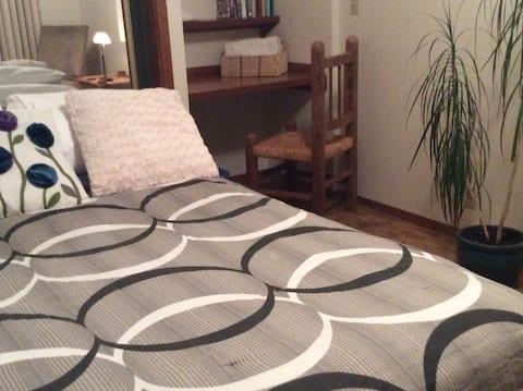 North bedroom; queen bed; Serta Mattress