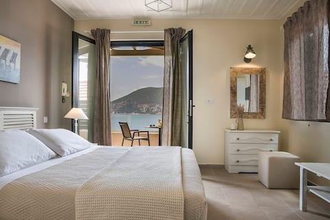 Martini waterfront suites , Beatrice ( No 2)