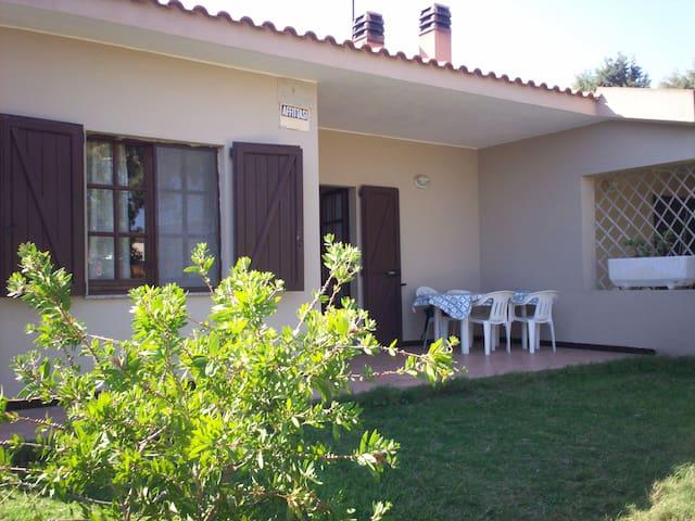 CHIA, SARDEGNA - Sea front villa - Chia - Huis