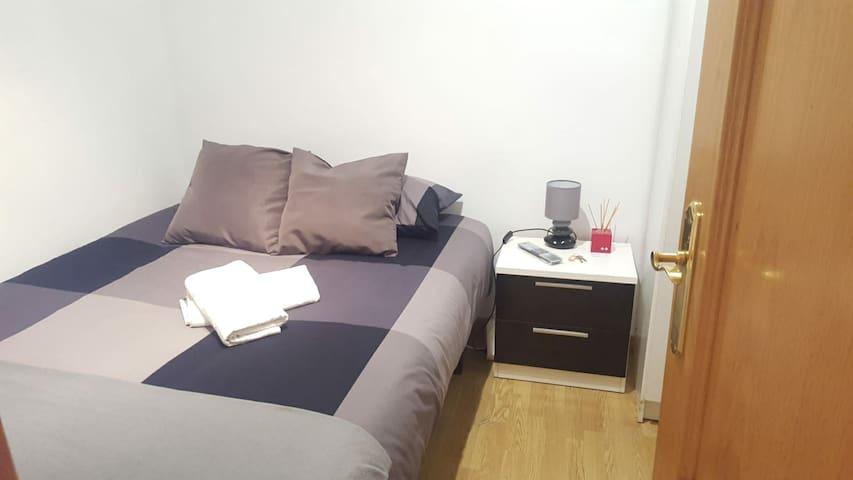 Habitación privada alado de C/Alcalá+WIFI+Netflix