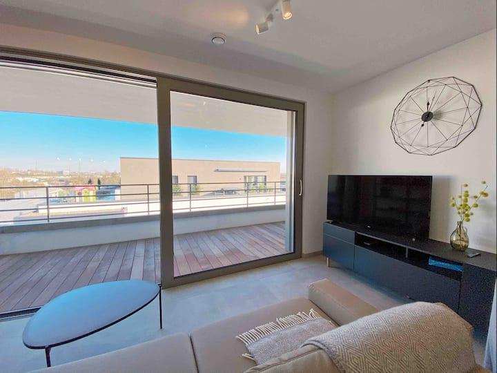 Modern Cozy 1 Bedroom Apt. with indoor parking