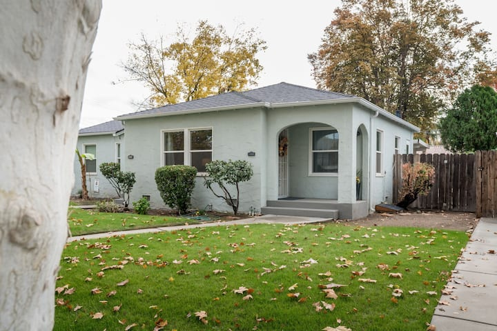 Beautifully Remodeled Tower District Bungalow