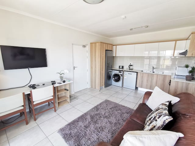 Rent a Brand New Luxury Apartment @ Reduced Rates