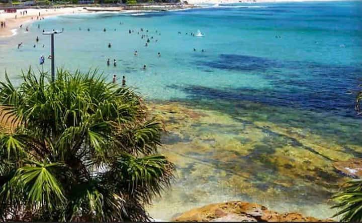 Beachfront Esplanade Apt South Cronulla beach