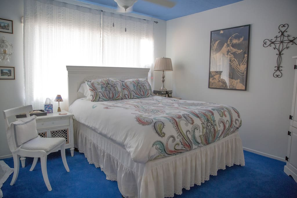 It's time to relax and rest from the hubbub of the busy city life.  This queen-sized bed is the perfect place to find comfort.   Pillows of all shapes, sizes and comfort levels to chose from.  I use high thread count sheets and bedding.
