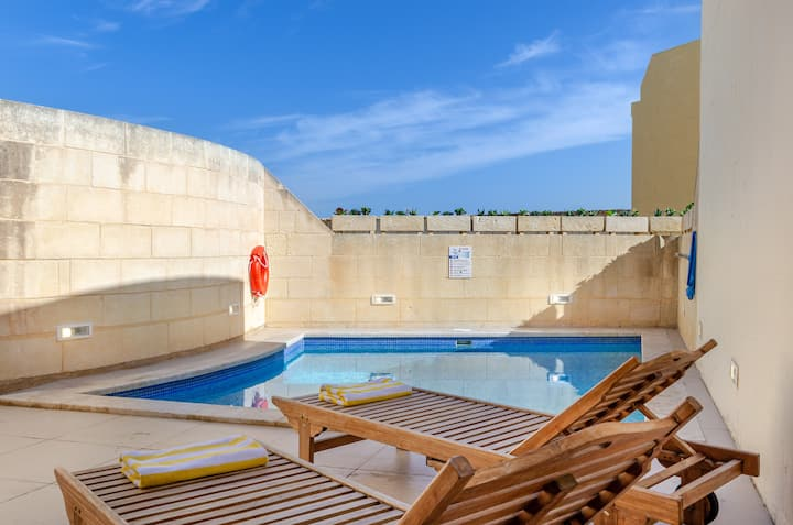 Gozo Escape w/private Pool, Cosy Terrace, BBQ & AC