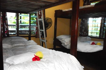 Spacious Dormitory with Free Breakfast & WiFi