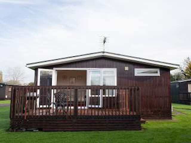 Hoburne Cotswold Holiday Chalet South Cerney - South Cerney - Daire