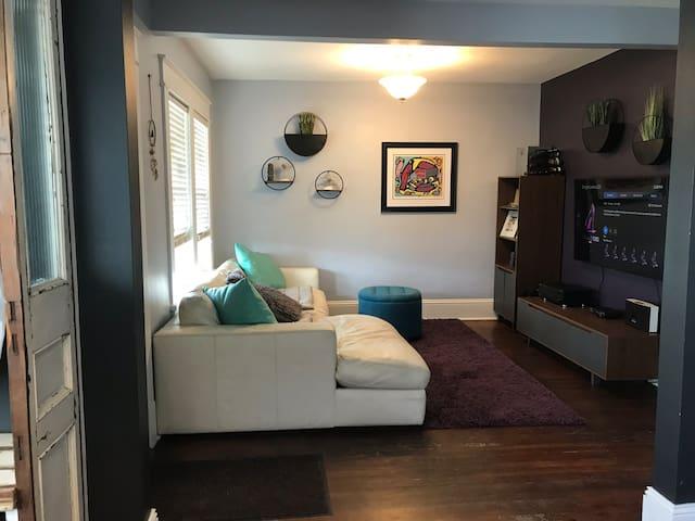 4 Bedroom plus Den in the heart of the NorthEnd