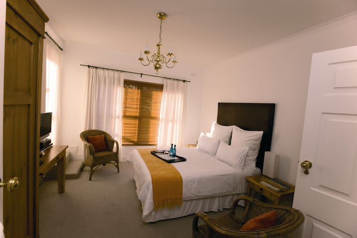Luxury Double Room - Villa Exner - Grabouw - Guesthouse