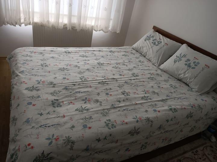 Misafirlerim için temiz ve kaliteli bir odam var