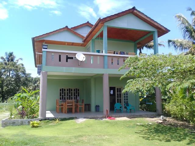 Justin's Beachouse in Nias