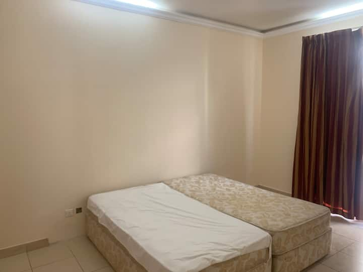 Furnished female bright and spacious rooms