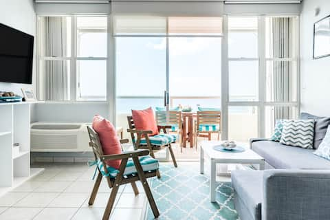 Rincón Beachfront Retreat. King Master with Private Balcony