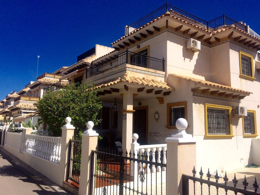 Villa and driveway