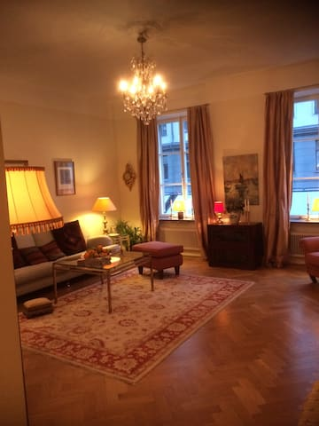 Charming 2 room apartment few steps from Karlaplan