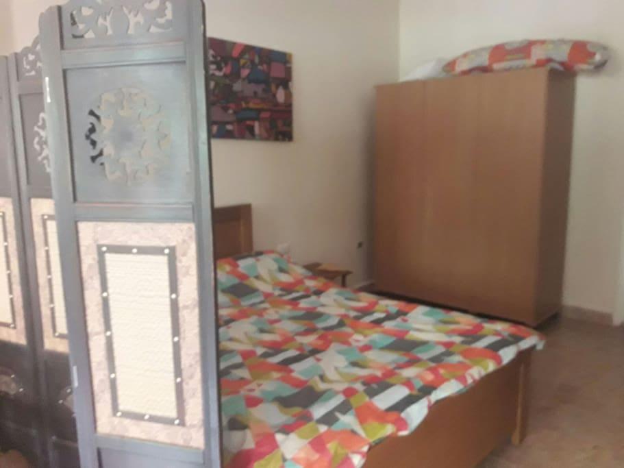 Mountain view studio bed