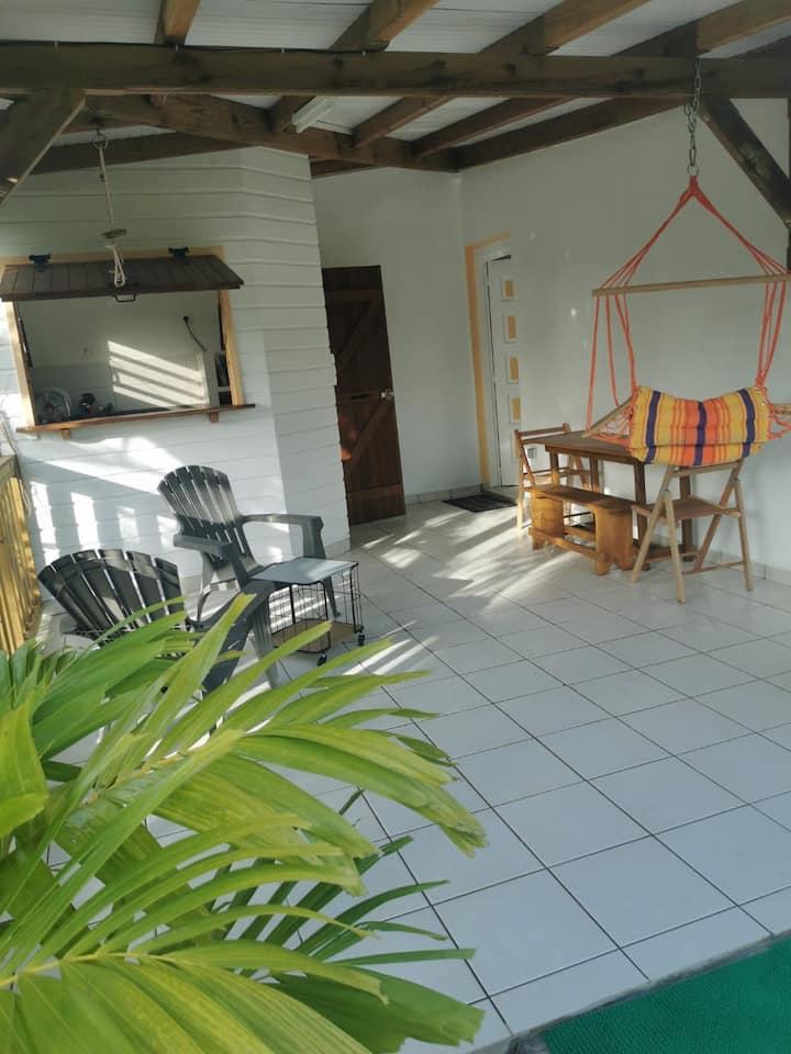 Studio calme avec Terrasse et grand jardin