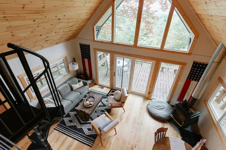 The Woodpecker's Chalet