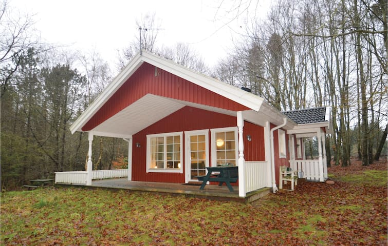 Holiday cottage with 2 bedrooms on 55 m² in Farsø