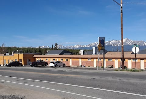 Private room in heard of Leadville, dog friendly#4