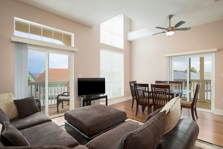 17878 Front Beach Rd #C-2 | SeaRinity-Living Room