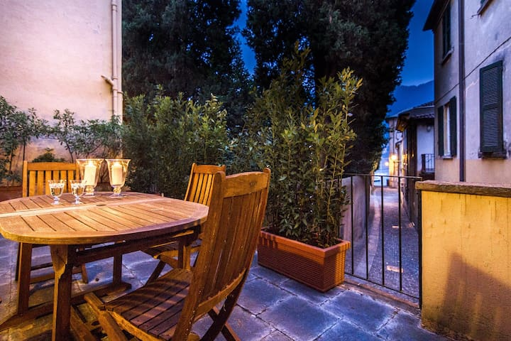 Cernobbio Town House with turkish bath and terrace