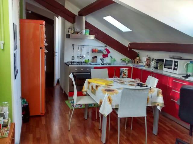 Nice flat in a very strategic area - Milán - Departamento