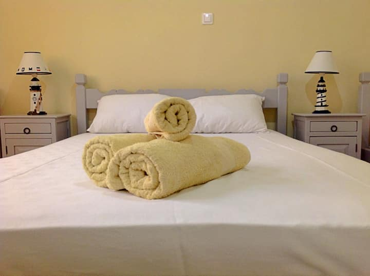 budget accomodation for 2 adults - Giasemi rooms