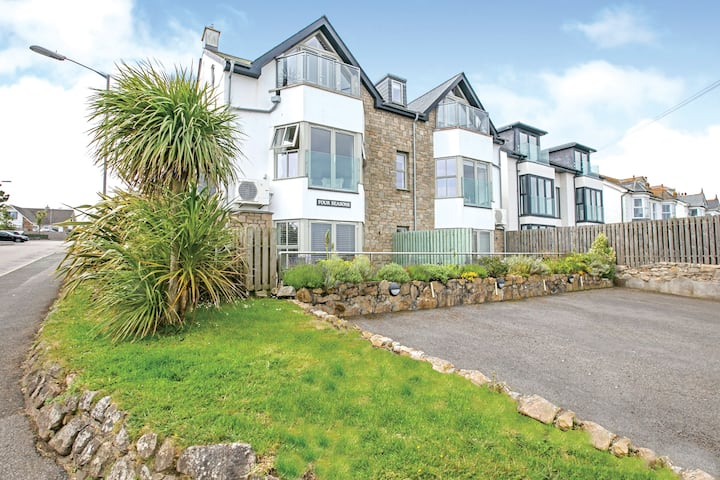 2 bedroom sleeps 4 apartment, Carbis Bay, St.Ives