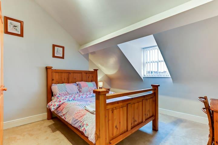 Bedroom 7 at Crawford Square