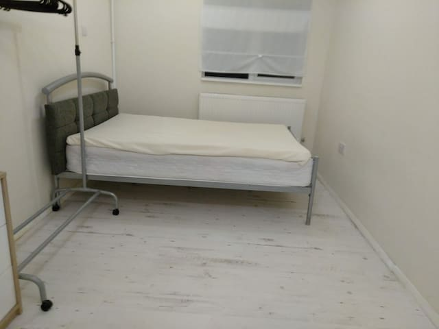 NHS only: large en-suite w/ private entrance