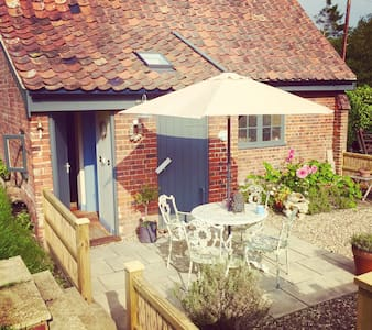 Charming boathouse, Norfolk Broads - Norwich - Apartamento
