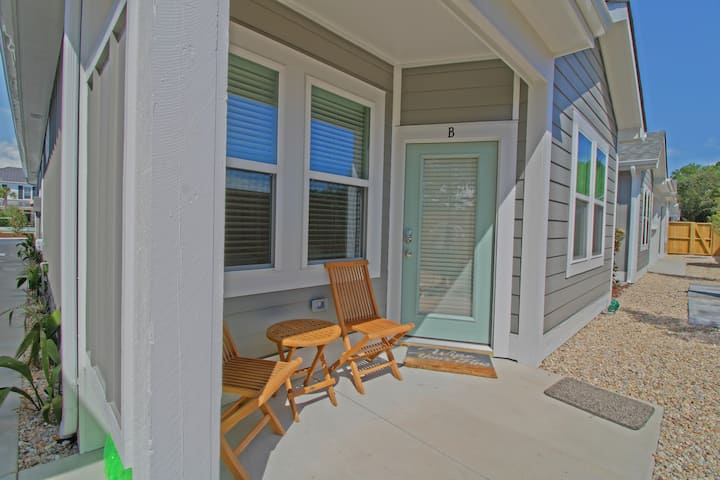 Beaches Love Me at Beacon Quarters Newly Built 2 Bedroom Condo in Corolla