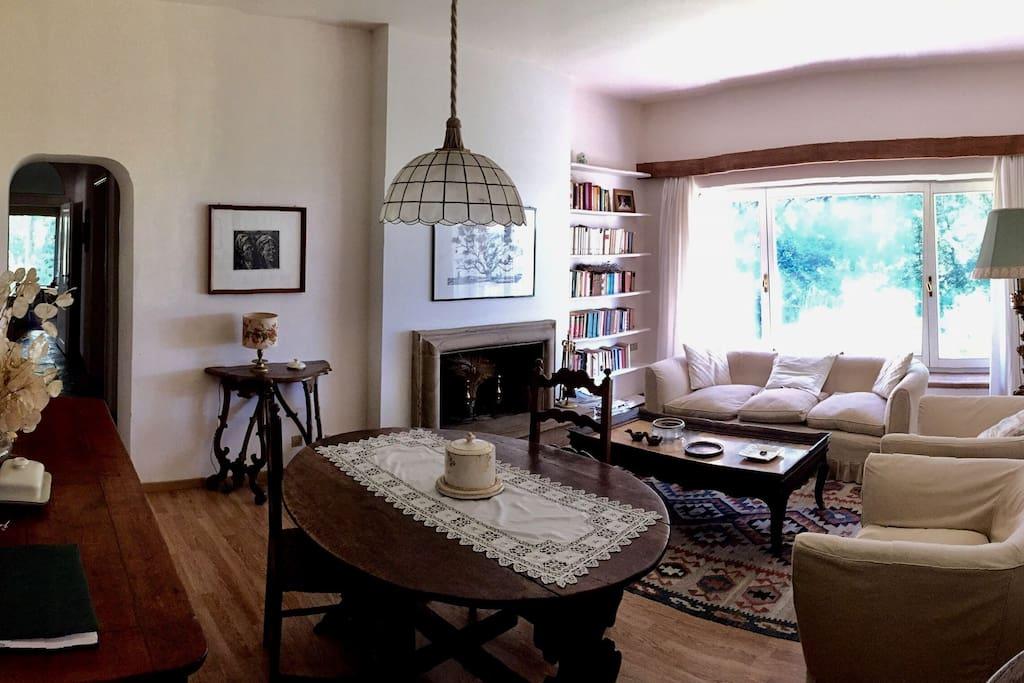 Prima zona giorno / First living area
