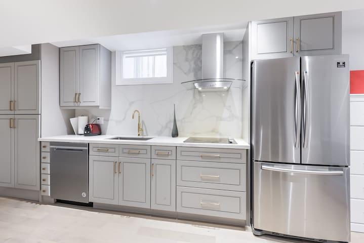 New Modern Basement/ separate entrance & laundry