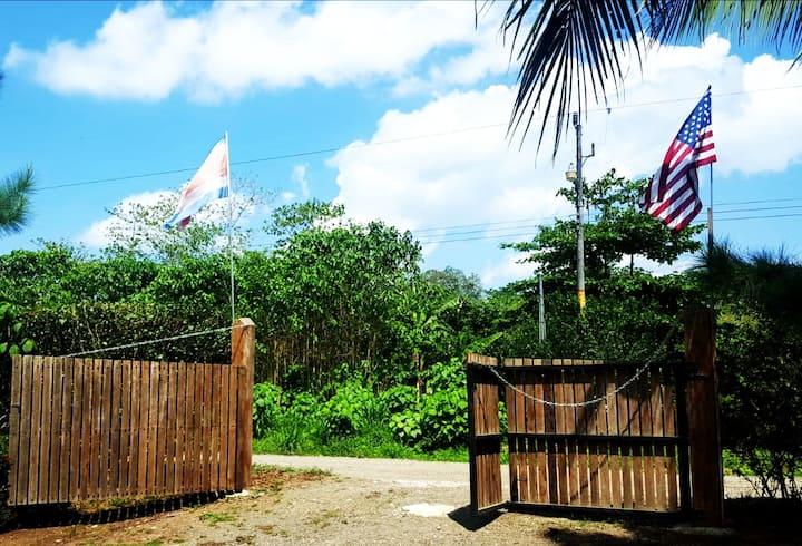 Cabinas La Cuna-Whole Property *POOL & A/C*