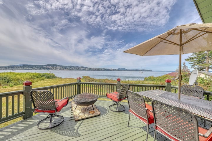 New listing! Dog-friendly, beachfront home w/firepit & breathtaking water views