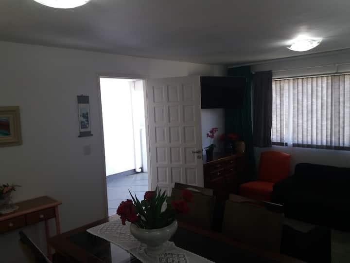 Casa- CURITIBA- Cond Fechado com Garagem.