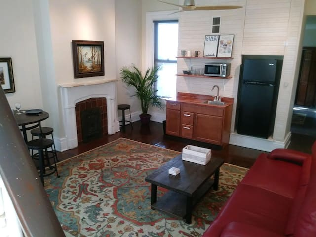 Entire 2nd Floor, Historic OTR/Downtown Cincy Apt.